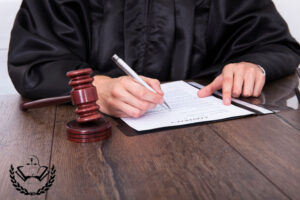اصلاحات حقوقی پرکاربرد2 300x200 - گروه وکلای دیده بان حقوق امیر